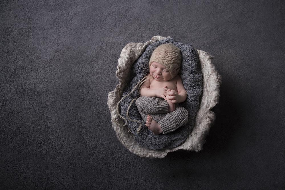 Oakville Ontario Newborn Baby Photographer