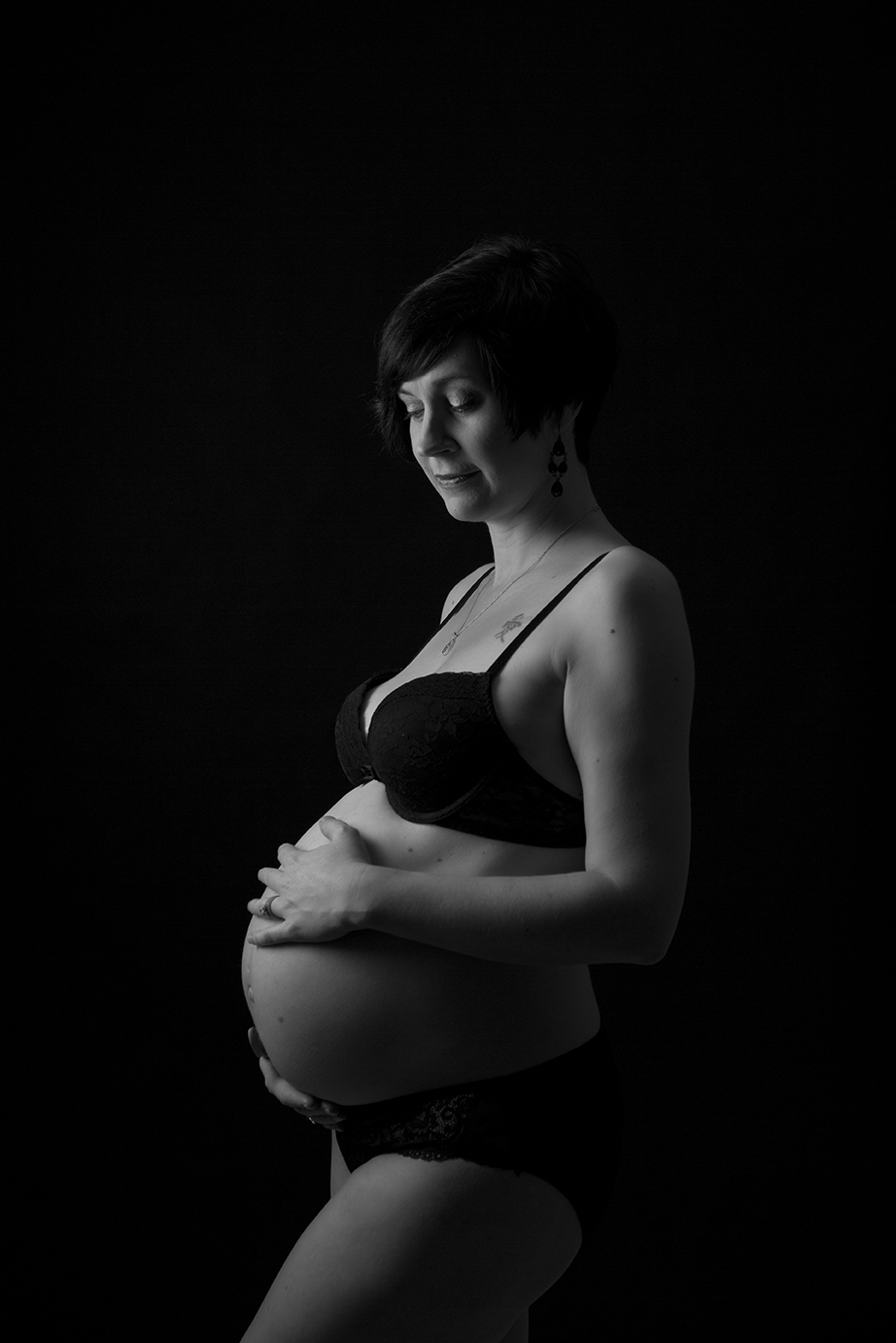 Cambridge Maternity Photographer black and white photography
