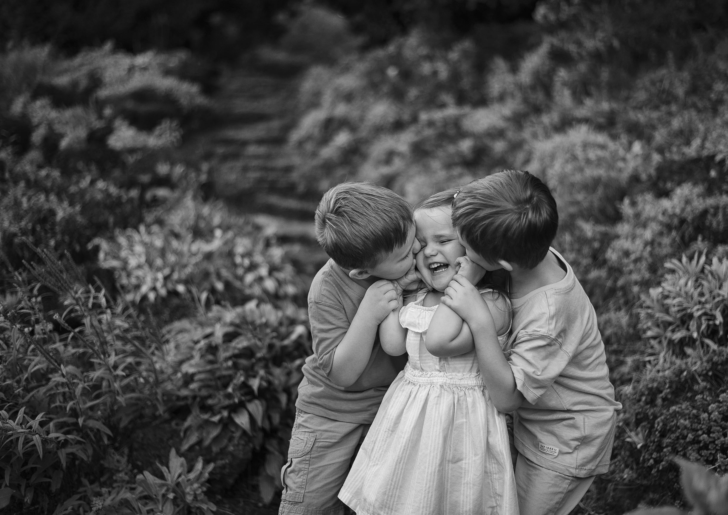 Children Laughing in Rockway Gardens in Kitchener Ontario Photographer