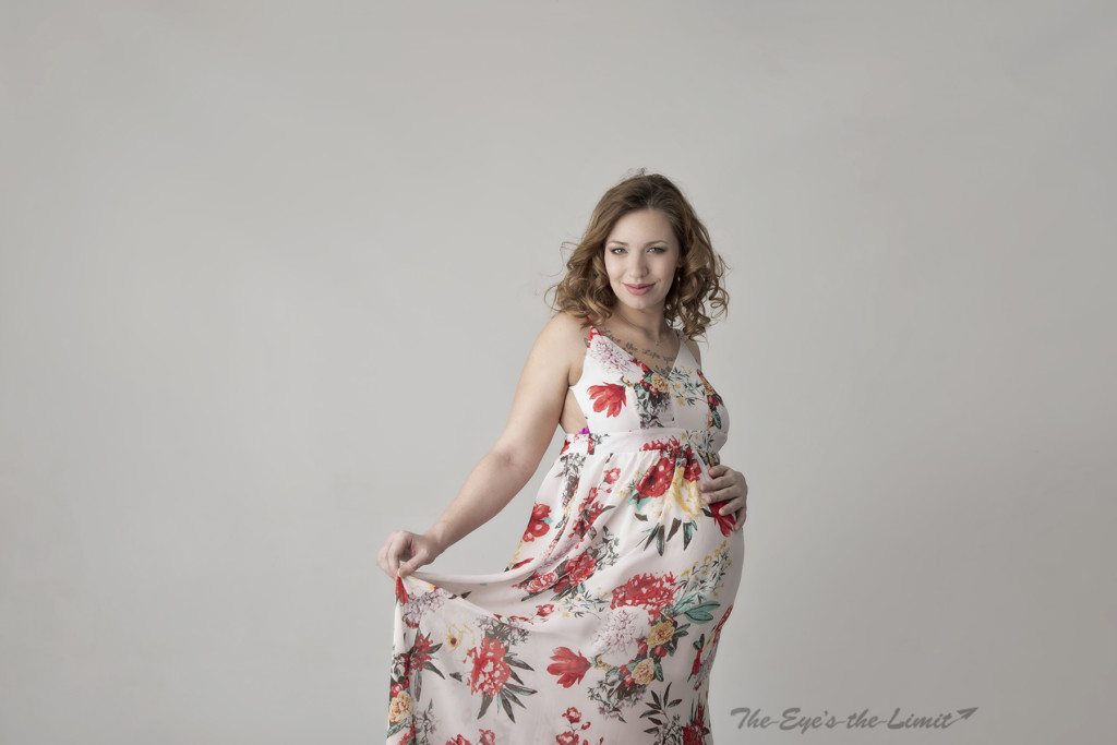 Puslinch Ontario Maternity and Newborn Photographer example
